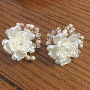 Vintage cream floral and rhinestone clip earrings